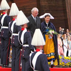 800px-Carl_XVI_Gustaf_och_Silvia_på_Skansen_2009
