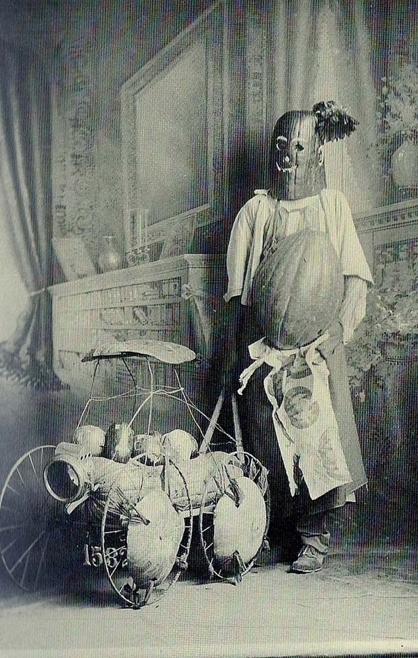 creepy-items-from-past23